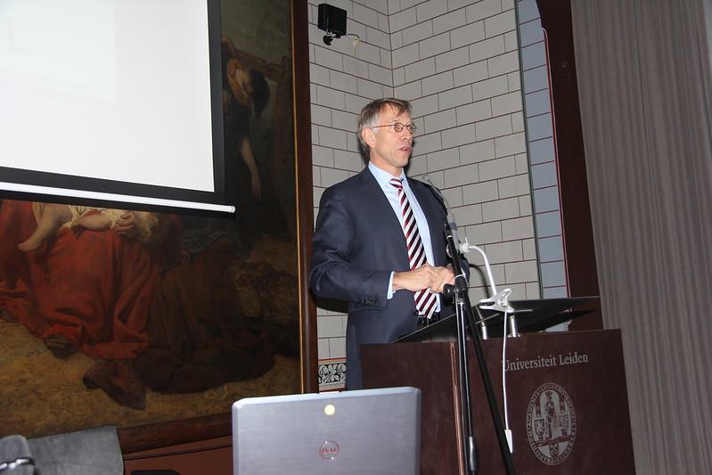 Prof. dr. Geert de Snoo opens the Symposium