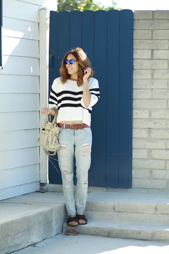 lucky magazine contributor,fashion blogger,lovefashionlivelife,joann doan,style blogger,stylist,what i wore,my style,fashion diaries,outfit,fevrie,knitted sweater,sweater weather,boyfriend jeans,forever 21,f21xme,balenciaga,zerouv,hm,street style