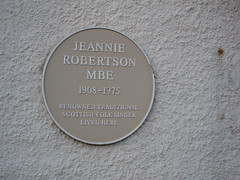 Photo of Jeannie Robertson yellow plaque