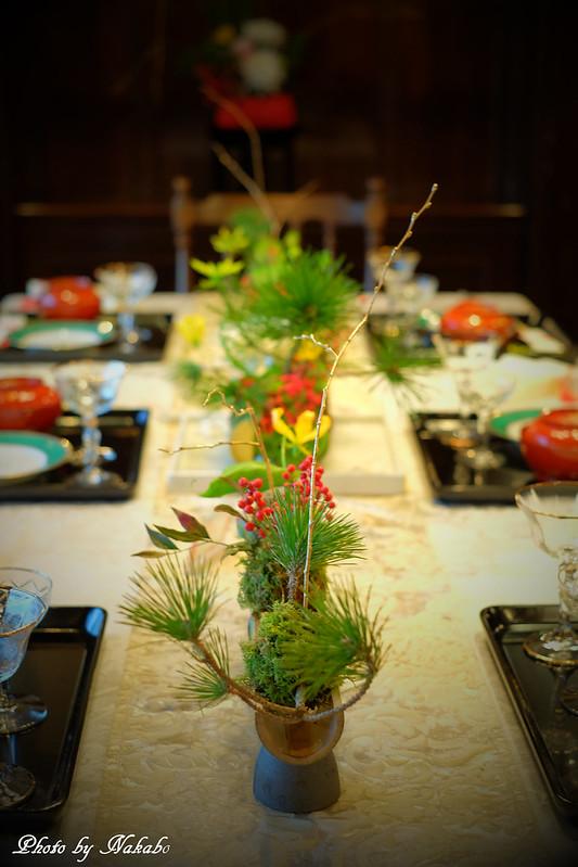 初春の花とテーブル by Nakabo