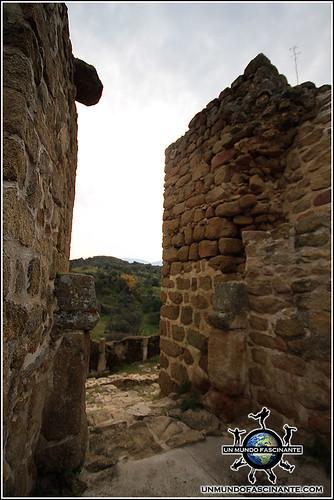 Entrada a la Alcazaba de Ciudad de Vascos