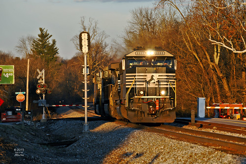 railroad locomotive signal norfolksouthern powelltn sd60e