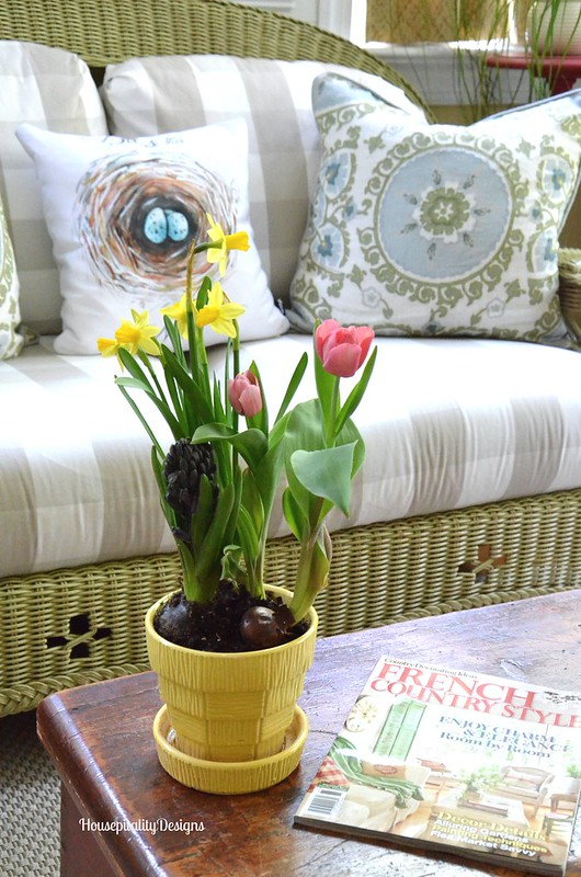 Spring flowers - Housepitality Designs