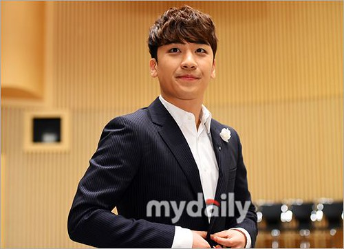 seungri_angel_eyes_press_conference_140403_001