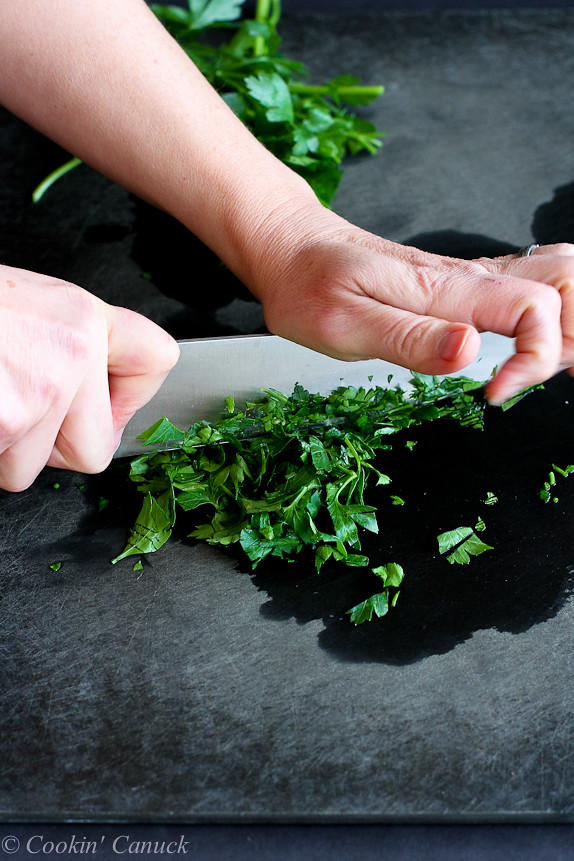 How to: Chop Parsley & Cilantro...Tips to make it easy! | cookincanuck.com #cooking #tutorial