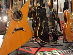Holy Grail Guitar Show Berlin - Dommenget Guitars