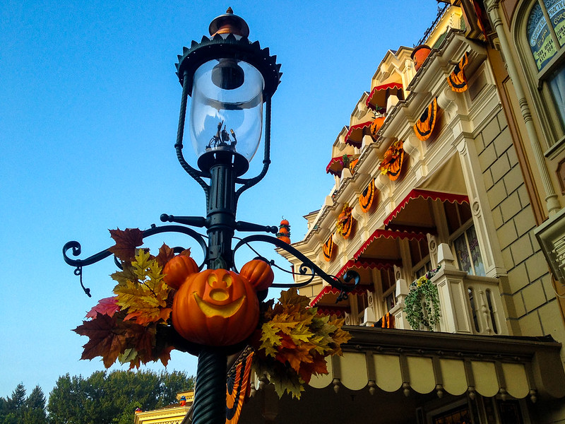 Town Square Lightpost During Halloween at Disneyland Paris