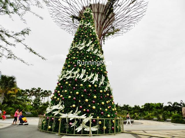 Christmas Wonderland 2014 - Dragonfly Christmas Tree Unlit