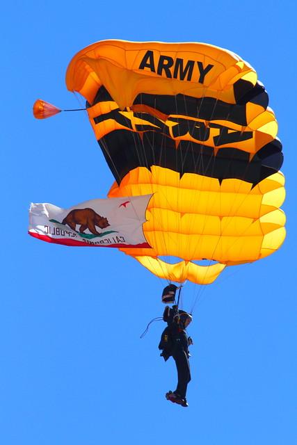 IMG_8402 Golden Knights, MCAS Miramar Air Show
