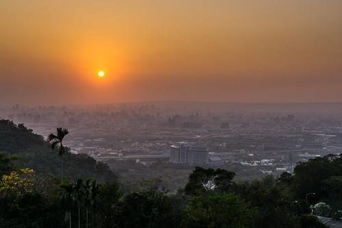 sunset 夕陽 taichung 台中 tanzi 潭子 領袖山莊