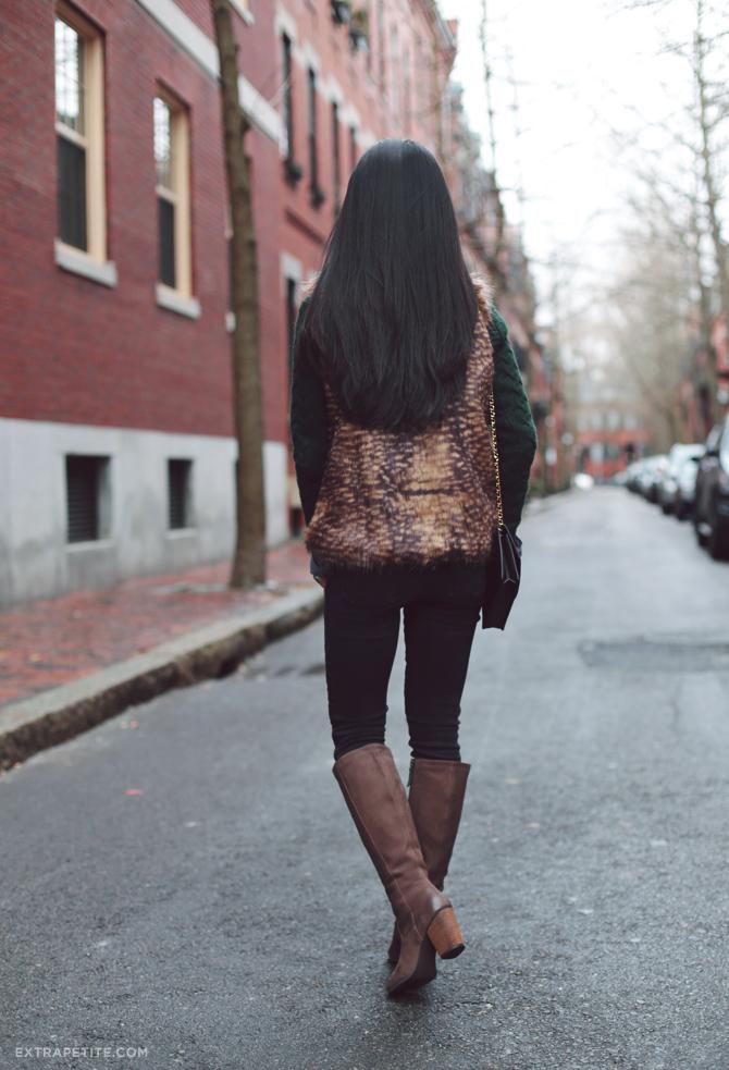 faux fur vest outfit3