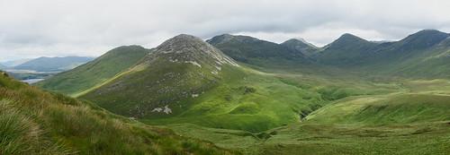 ireland panorama mountain mountains green nationalpark lough sony hill hills connemara 2014 diamondmountain kylemore countygalway twelvebens a700 diamondhill connemaranationalpark loughkylemore dslra700