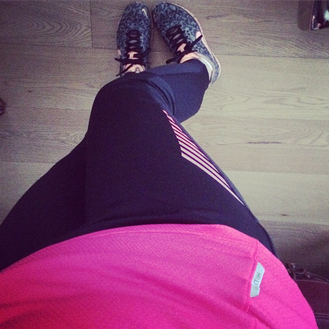 Another @hellyhansen afternoon run. My poor knees are in shreds.