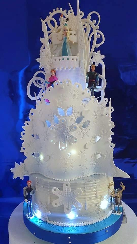 Frozen Themed Cake by Wendy Lynne