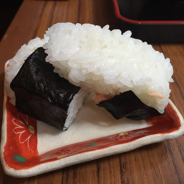 Testing the restaurant's knives by requesting that my Onigiri be cut into 2/3 & 1/3 portions.