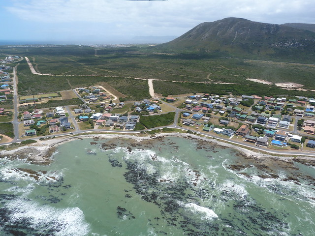 Gansbaai a vista de avioneta (Cape Whale Coast, Sudáfrica)