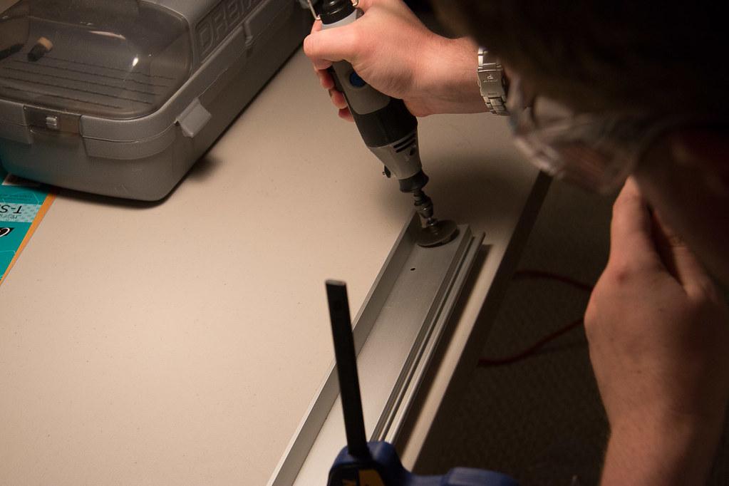 Cutting lip of Ikea Pax door top track