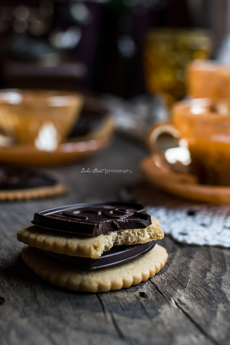 Corazones de galleta de naranja y chocolate