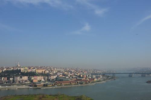 Von Eyüp aus in Richtung Bospurus und Sultanahmed