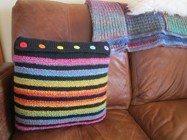 Wurmy rainbow cushion (9)