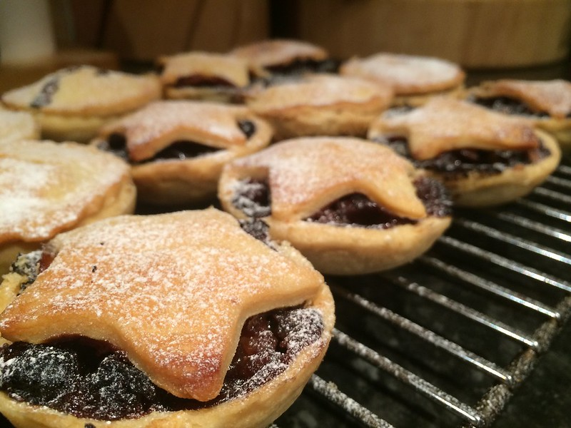 Mince Pies : Dust with icing sugar
