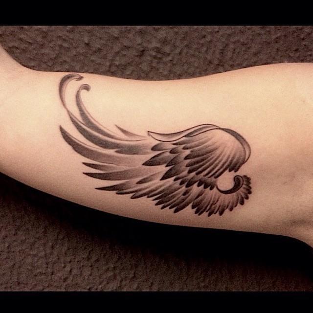 tatoo alas angel wing tattoos on back tattoo back wings lilzeu tattoo de tatuajes de ngeles. Black Bedroom Furniture Sets. Home Design Ideas