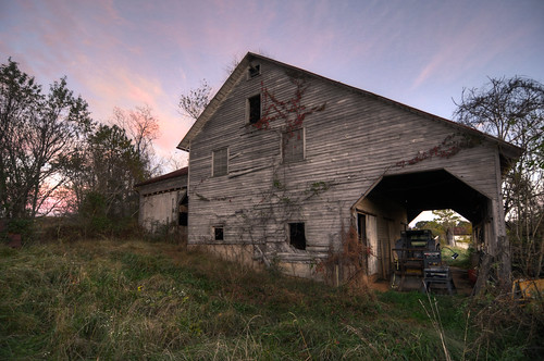 autumn sunset vacation fall barn rural virginia nikon unitedstates outdoor rustic tokina shenandoah shenandoahvalley hdr ruraldecay urbex d300 sperryville photomatix 1116mm