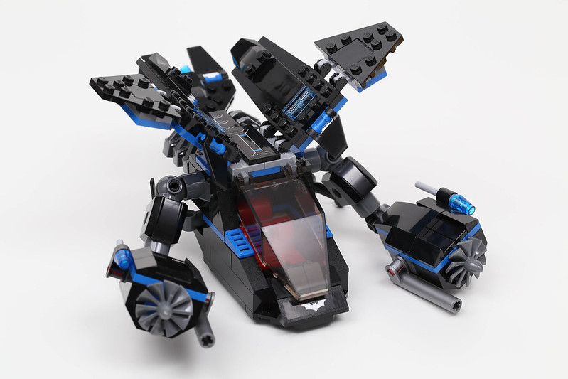 Review: Lego Batman 76001 The Bat Vs Bane: Tumbler Chase