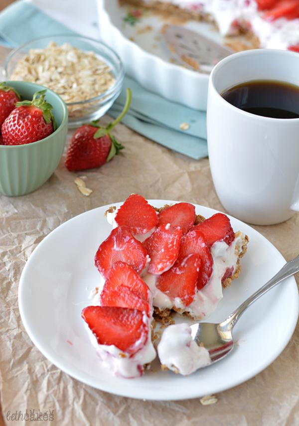 Strawberry Cheesecake Yogurt Tart with a Granola Crust! bethcakes.com
