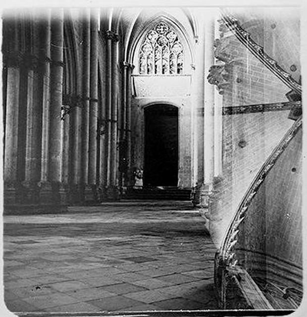 Nave Meridional de la Catedral en 1904. Fotografía de Augusto T. Arcimis © Fototeca del IPCE, MECD. Signatura ARC-0740_P