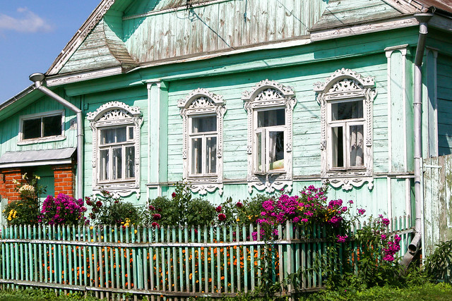 Typically decorated wooden window frames in a local house, Suzdal, Russia スズダリ、民家の木の窓枠装飾