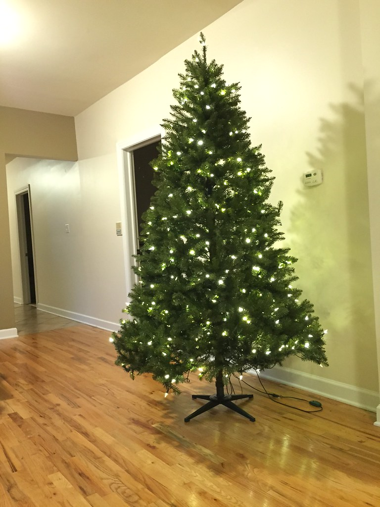 7.5-foot LED Pre-lit Xmas tree at Home Depot for $79 - The Chicago ...