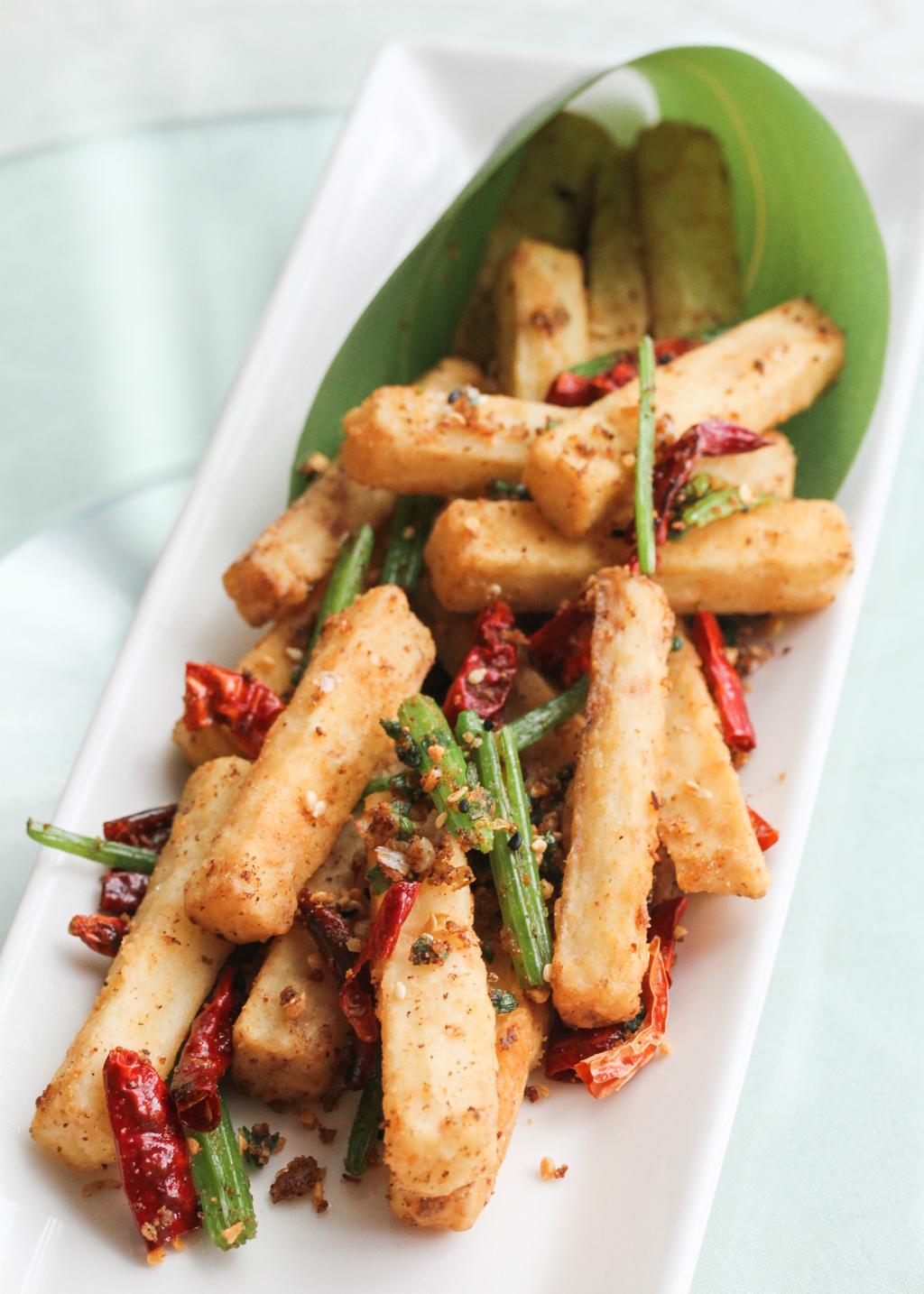 TungLok XiHe Peking Duck: Deep Fried Huai Shan with Dried Chilli