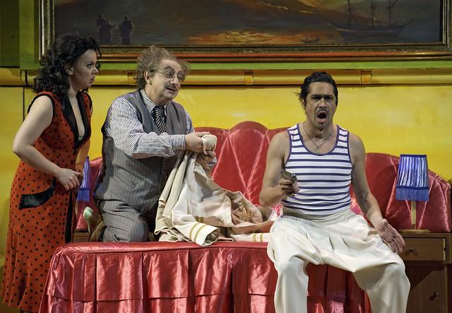 Aleksandra Kurzak as Fiorilla, Alessandro Corbelli as Don Geronio and Ildebrando D'Arcangelo as Selim in Il turco in Italia © ROH/Clive Barda, 2010