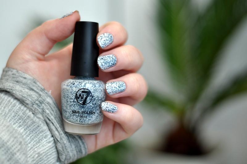 notd w7 salt n pepper nail polish rottenotter rotten otter blog