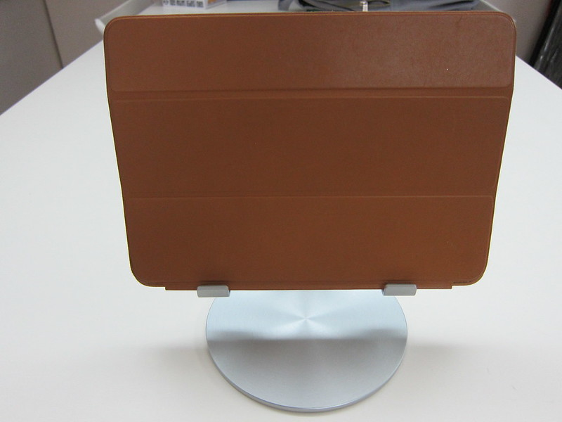 Just Mobile UpStand - With iPad Air - Landscape Front