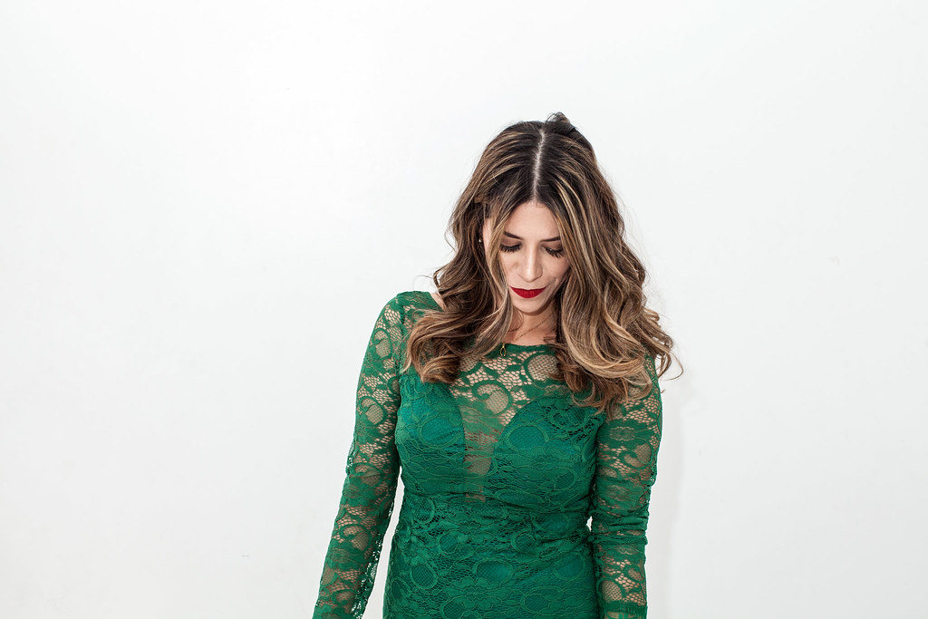 what to wear on NYE lace green dress  Green Lace Dress Leopard Clutch Kurt Geiger Sharkie Heels lookbookstore fashion blogger nyc fashion blogger inexpensive dresses corporate catwalk professional blogger corporate blogger new years eve outfit
