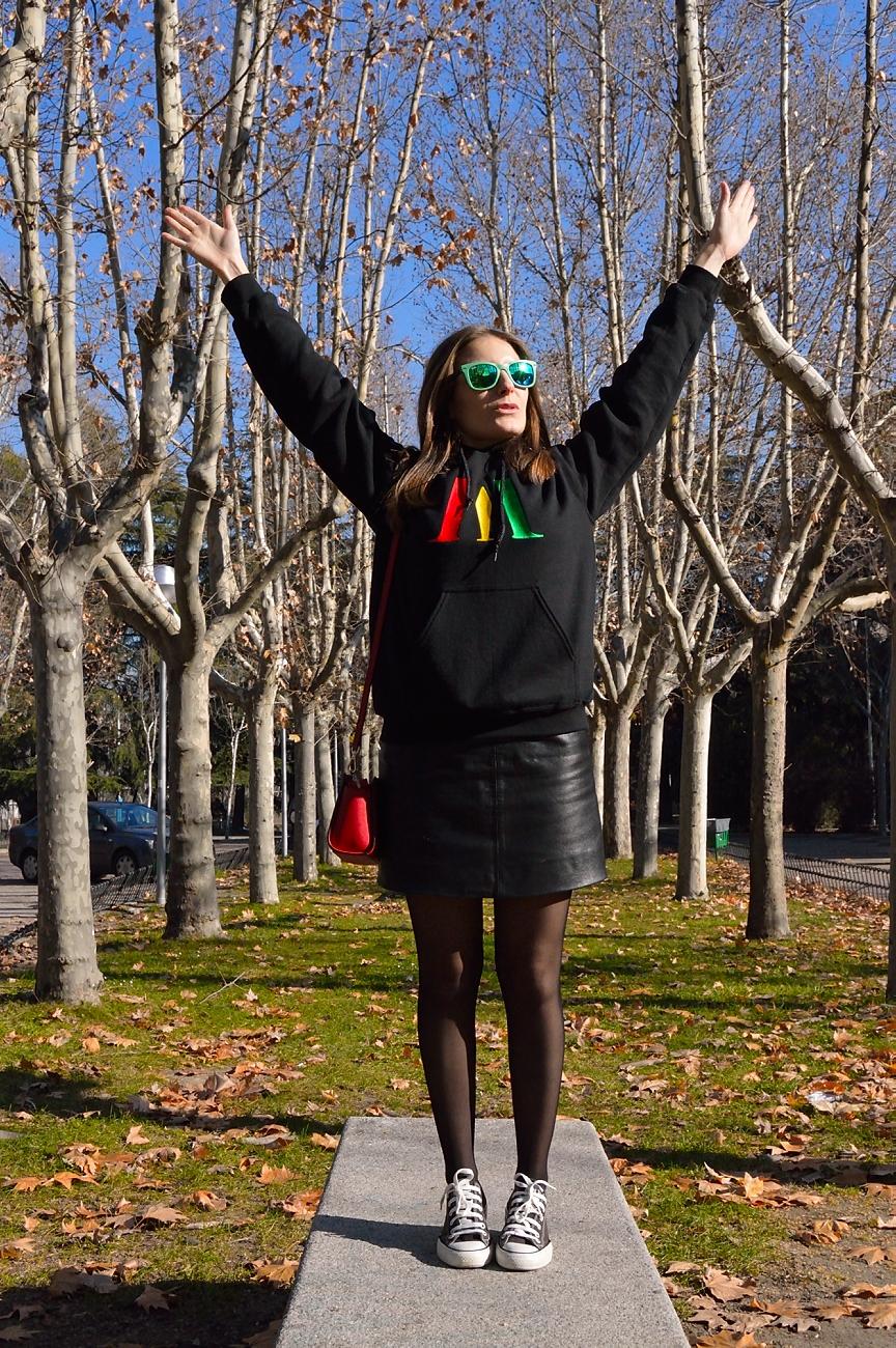 lara-vazquez-mad-lula-black-sweater-streetwear