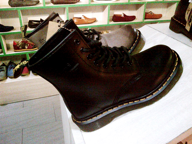Black 8-Hole Doc Martens in Cubao