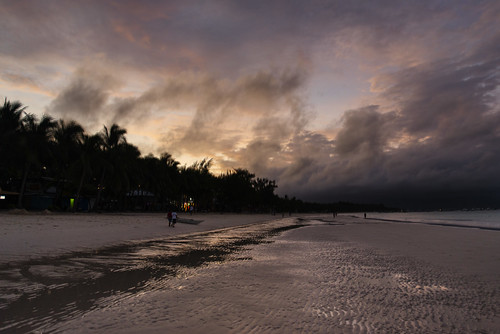 ocean camera trees sea sky people colour beach clouds digital sunrise palms photography sand aperture nikon exposure surf image philippines iso photograph boracay tamron malay aklan coconutpalms westernvisayas tamronsp2470mmf28divcusd nikond610