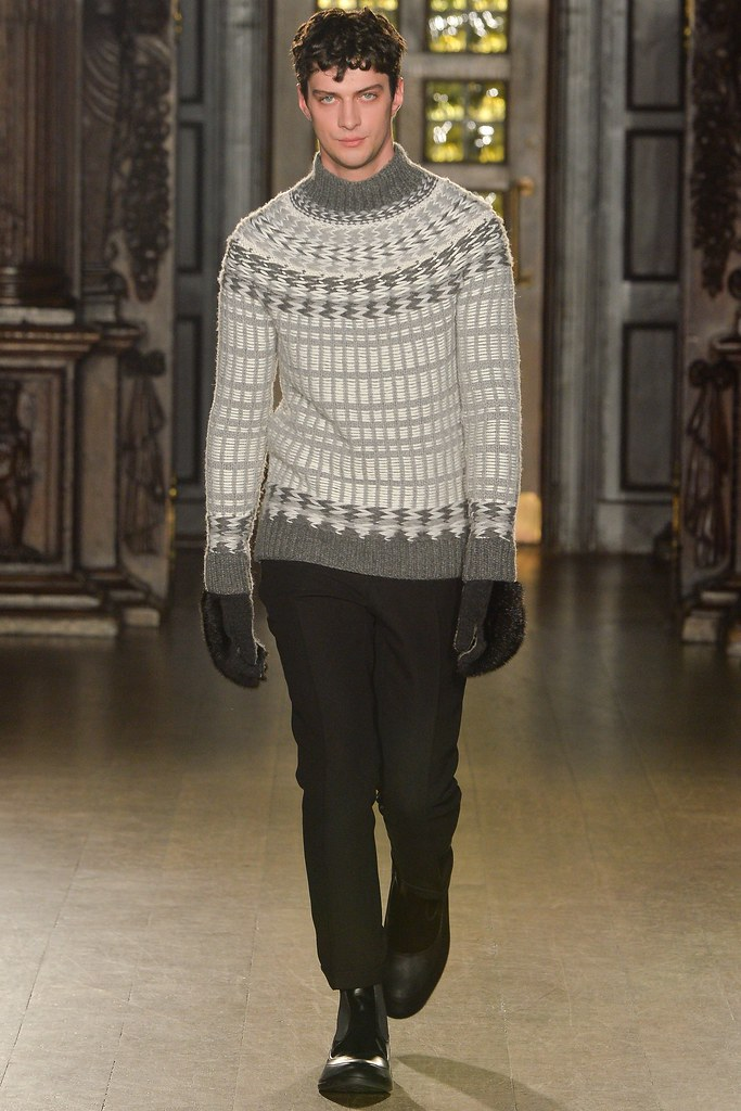 FW15 London Pringle of Scotland002_Matthew Bell(VOGUE)