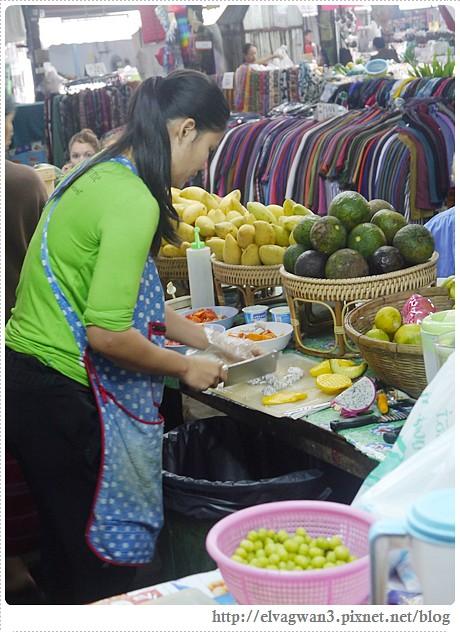 泰國-泰北-清邁-Somphet Market-Tip's Best Fresh Fruit Smoothie-市場-果汁攤-酸奶水果沙拉-燕麥水果優格沙拉-香蕉Ore0-泰式奶茶-早餐-23-628-1