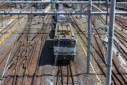 Omiya_7 大宮駅での鉄道写真。 電気機関車が牽引するコンテナ貨物列車。