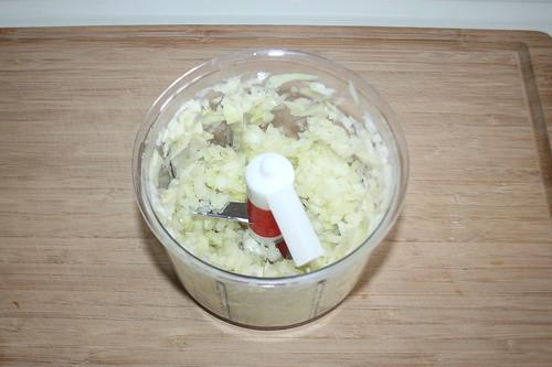 14 - Zwiebel würfeln / Dice onion