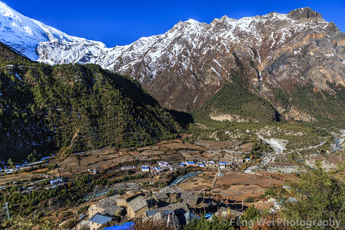 travel nepal color beautiful horizontal asia village view outdoor scenic vista tibetan remote annapurnacircuit annapurna pisang gandaki lowerpisang marshyangdi annapurnaconservationarea