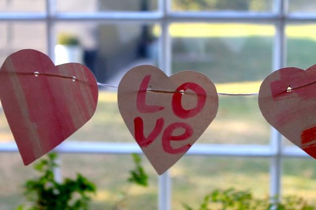 watercolor hearts banner {diy}