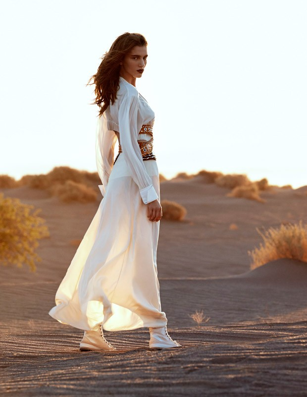Sabina-Lobova-Vogue-Mexico-Angelo-DAgostino-05-620x801