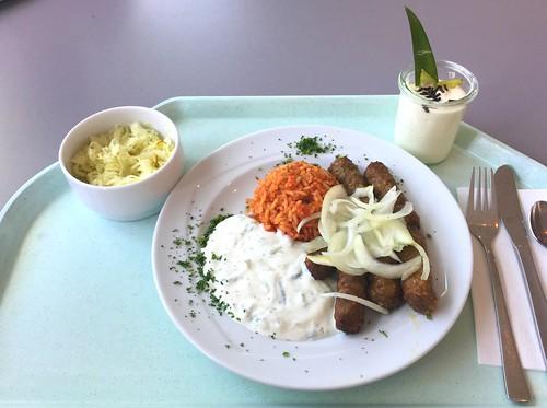 Cevapcici with tzatziki, fresh onions & tomato rice / Cevapcici mit Tzatziki, frischen Zwiebeln & Djuvecreis