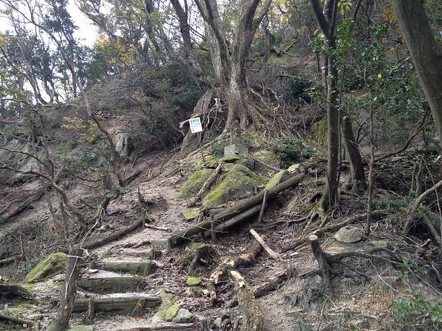 鎌ヶ岳 馬の背尾根登山口 三岳寺 観音山遊歩道