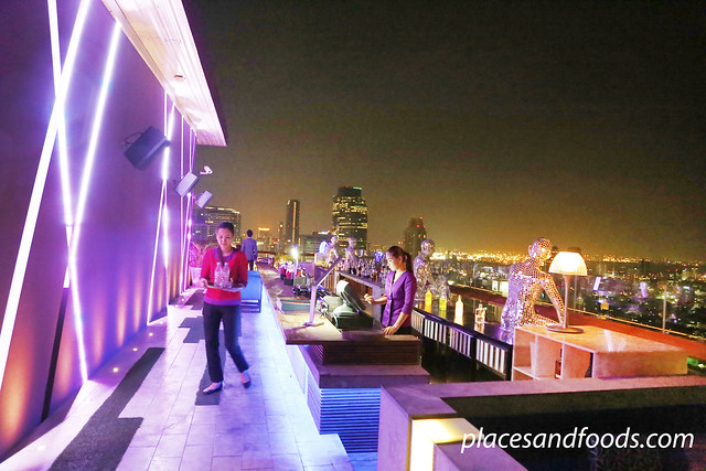 38th bar mode sathorn waitress and bar